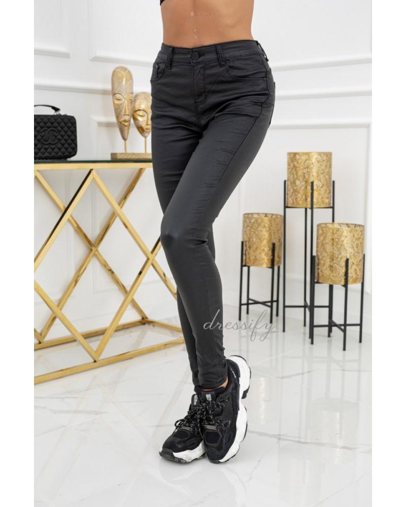Bőr hatású nadrág -fekete