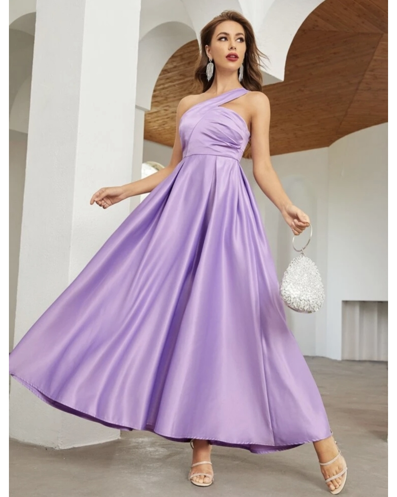 Elegáns hosszú ruha