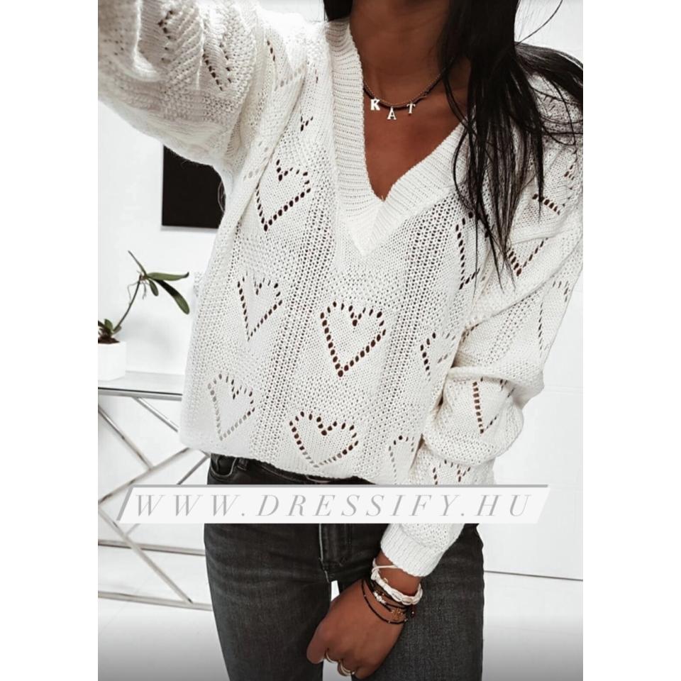 Szívecskés pulóver